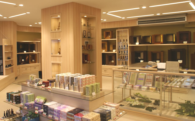 田原町店1F全景