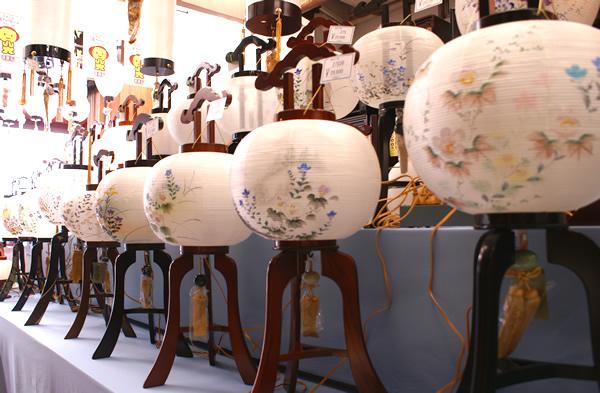 三善堂寿店の盆提灯